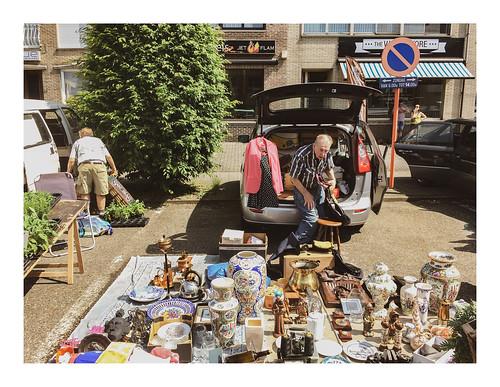 170528_115105_iphone5s_sunday market 2/5