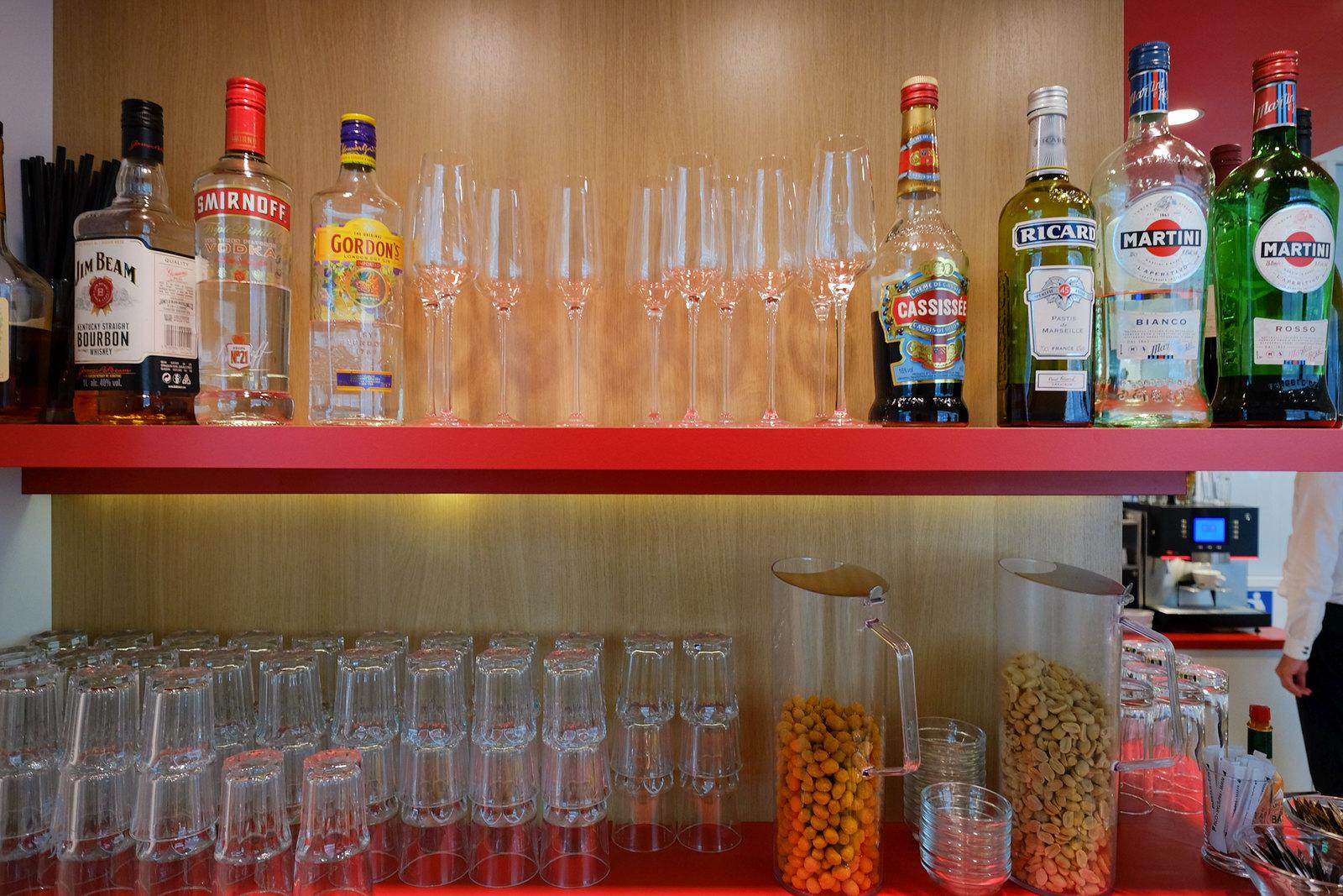 Alcoholic liquors and bar snacks
