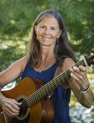 Laura Hood, guitar