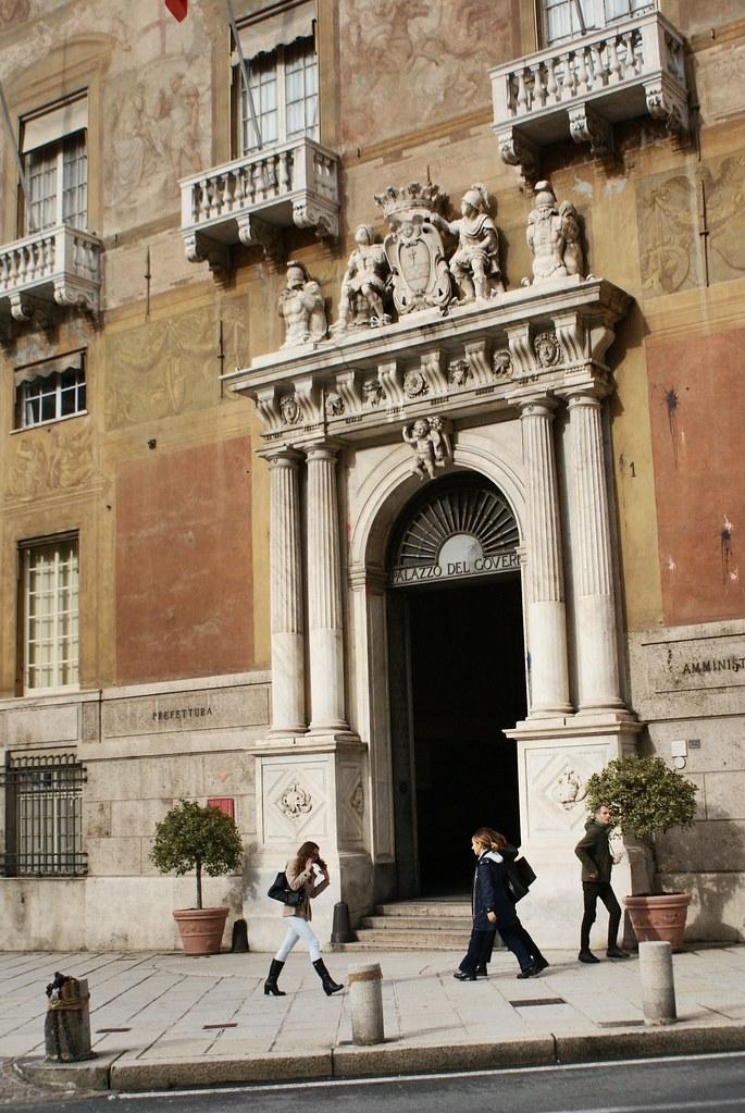 Entrée spectaculaire du Palazzo Doria-Spinola à Gènes.