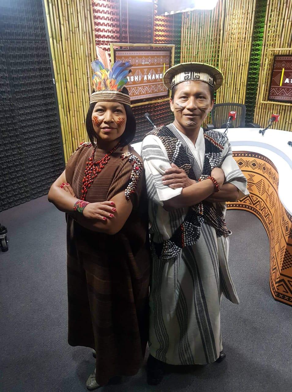 Hosts of Ashi Añane