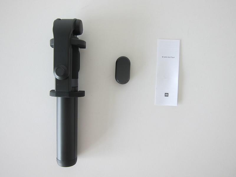 Xiaomi Mi Selfie Stick Tripod - Box Contents
