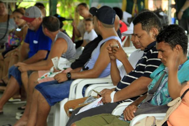 Famílias do bairro Educandos recebem terceiro lote do Auxílio Aluguel