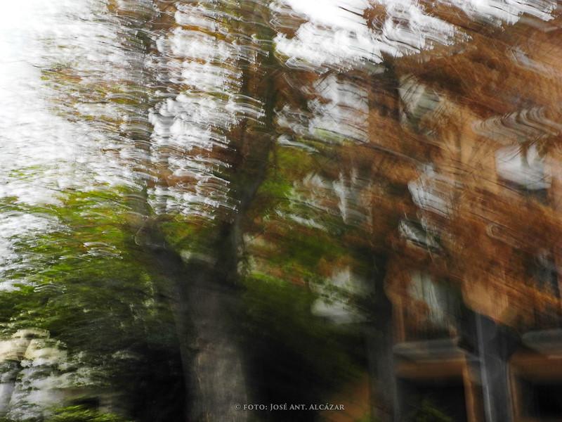 foto de calle con movimiento intencionado de camara
