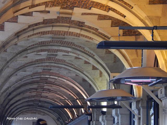 Place des Vosges, Nikon COOLPIX L830