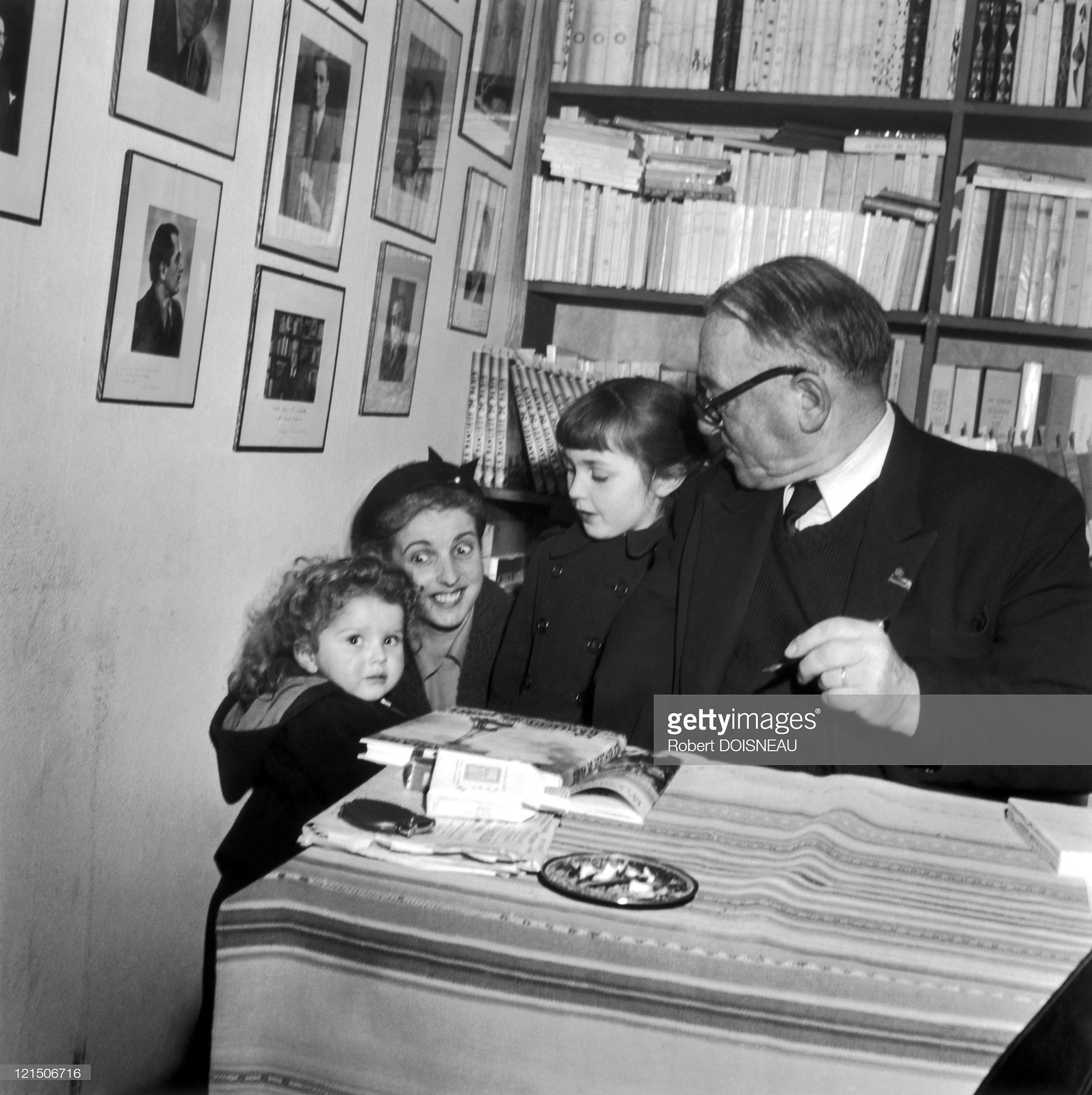 1949. Маленькая семья