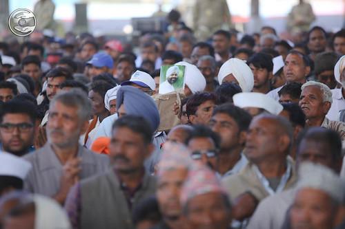 Devotees seeking blessings in Namaskar Lines