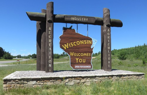 Wisconsin Welcomes You Sign (Florence County, Wisconsin)