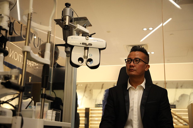 Chen Han Wei test Videre with essilor