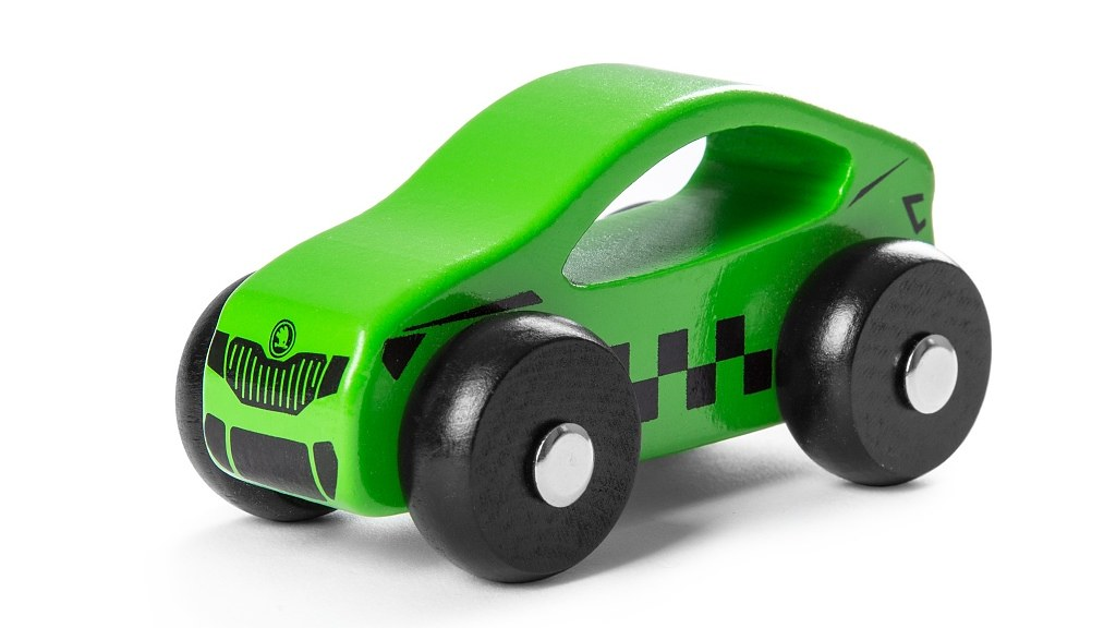 skoda-wooden-toy-car-gift