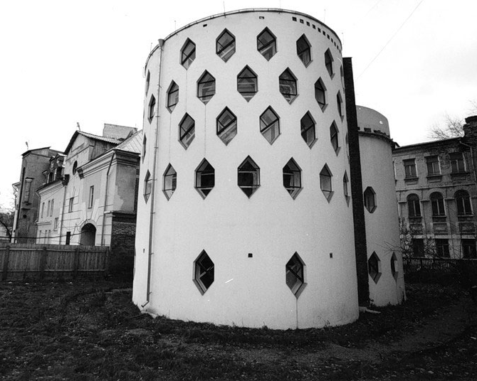 Дом Мельникова. Вид со двора. Автор фото не установлен
