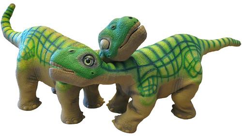 PLEO y PLEÍTO, los dinosaurios robot