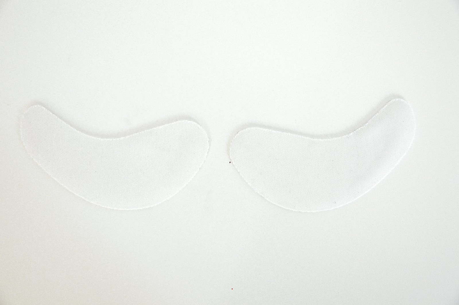 TALIKA EYE THERAPTY PATCH SILMÄNYMPÄRYSNAAMIO4