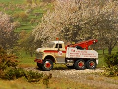 Ford N-600 Recovery truck
