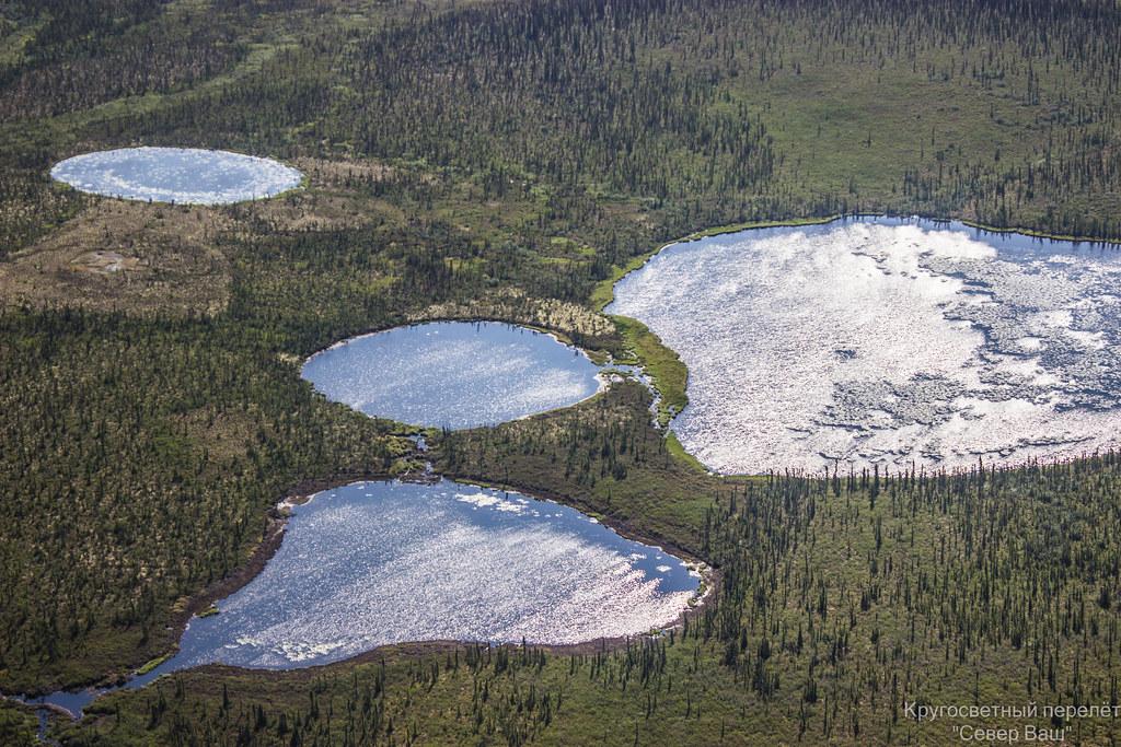 На озёрах плавает лёд