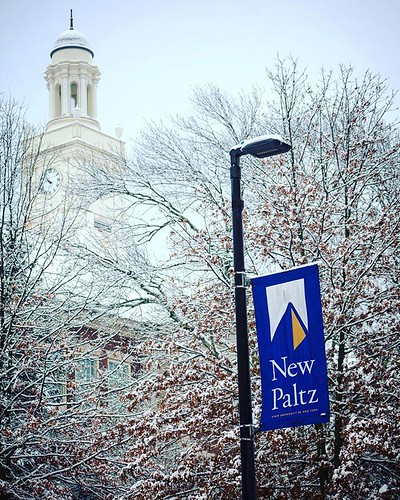 First snow on campus! #snowvember #npsocial #newpaltz #sunynewpaltz #npbusiness