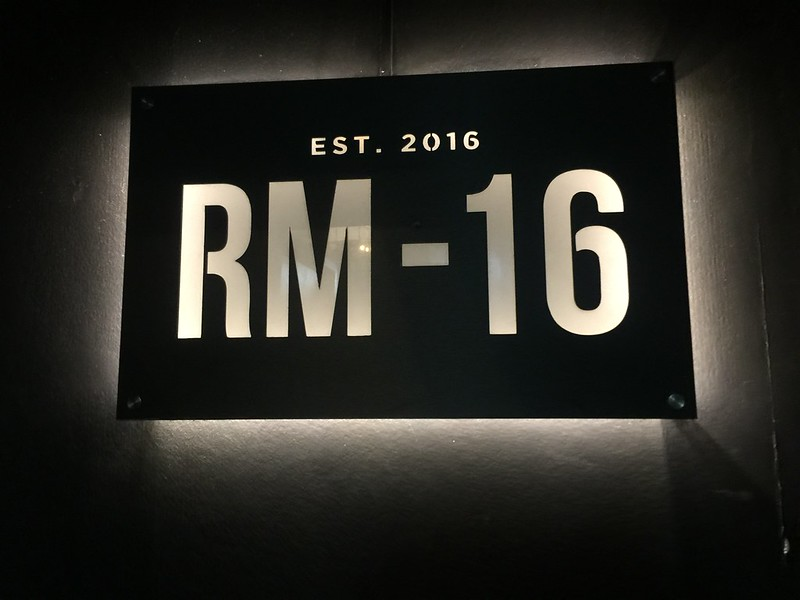 Room 16, Tittos
