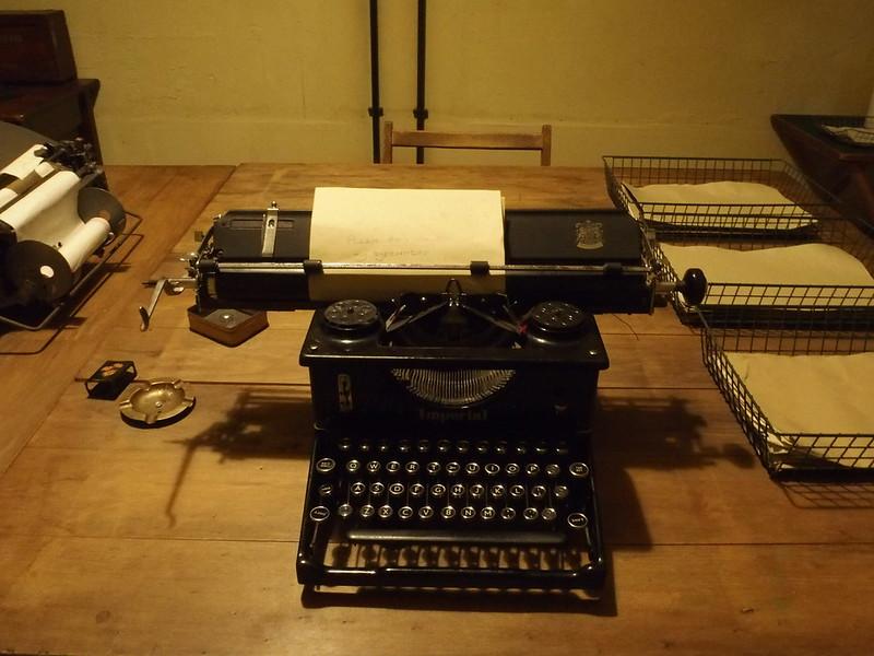 1940s typewriter