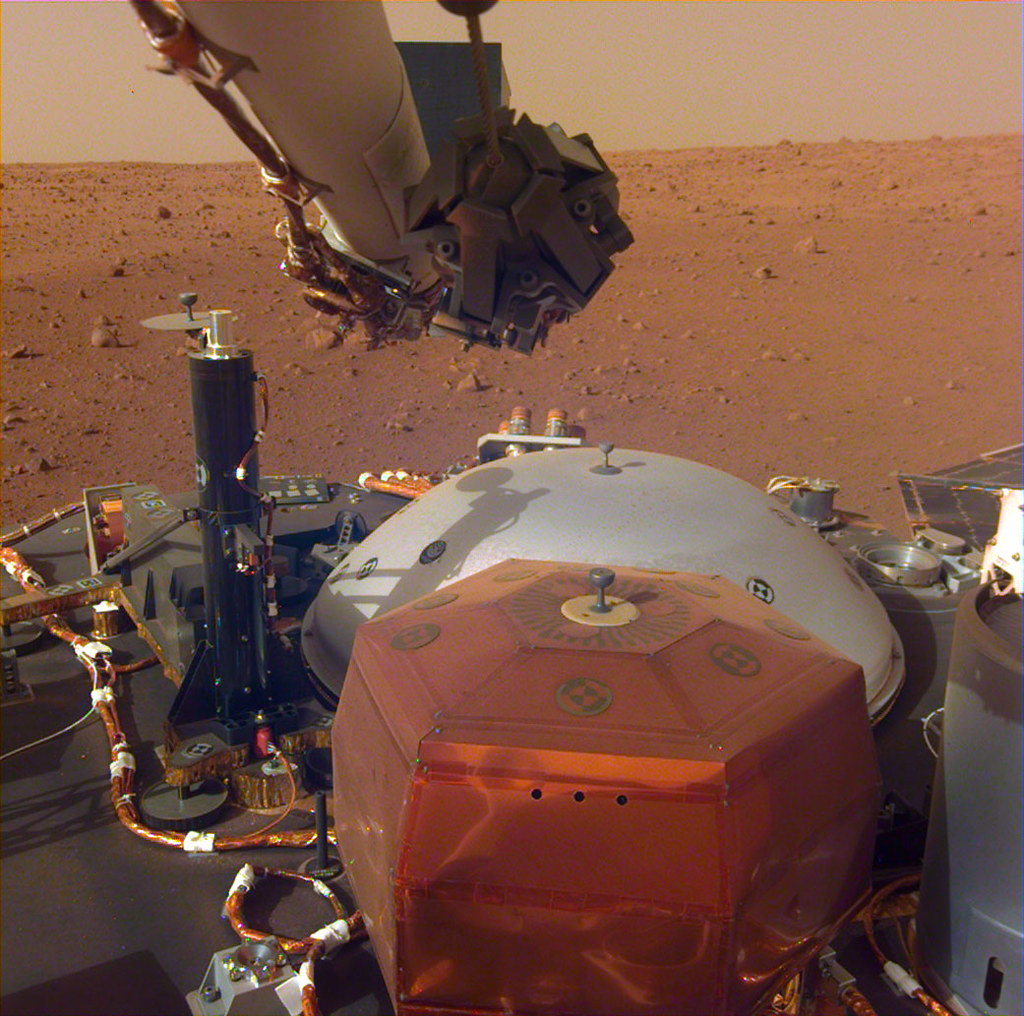 NASA's Mars InSight Flexes Its Arm