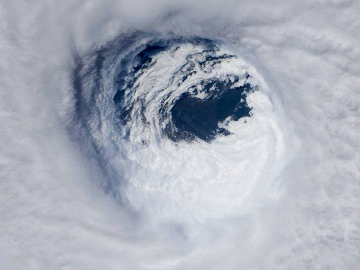 Thunderstorms, Cyclones, Hurricanes, and Typhoons <br /><span style=