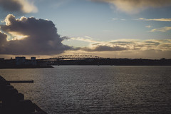 316.364.2018 Auckland Harbour Bridge at sunset, New Zealand