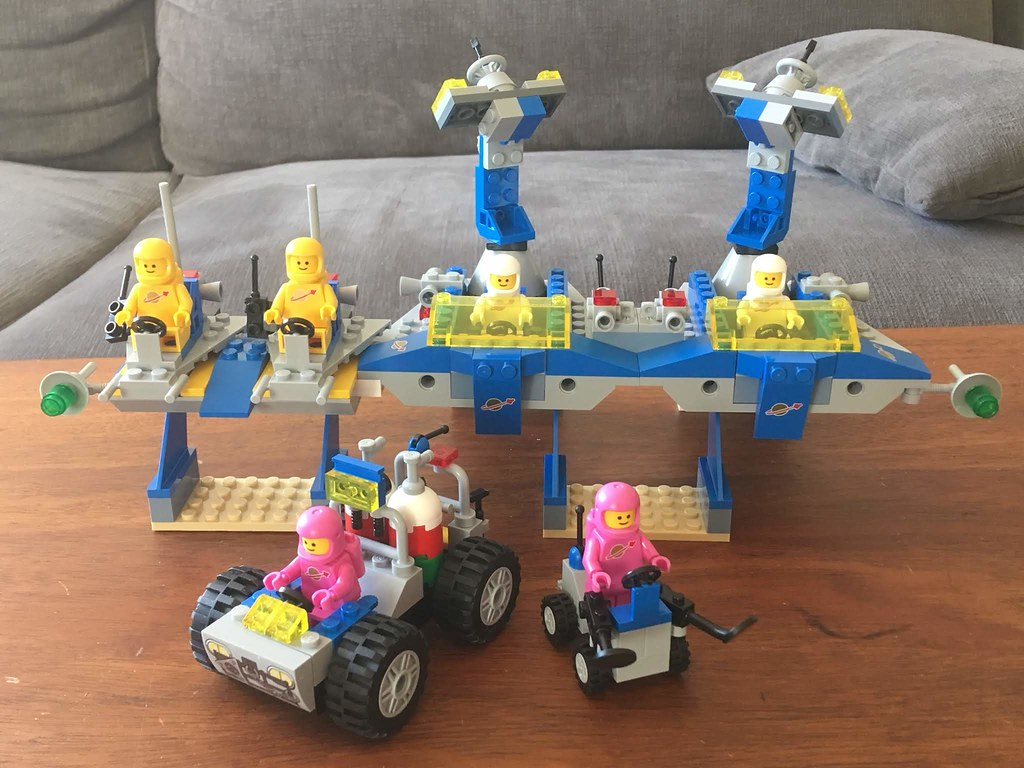 Space Supply Station redux using 70821 and 70841