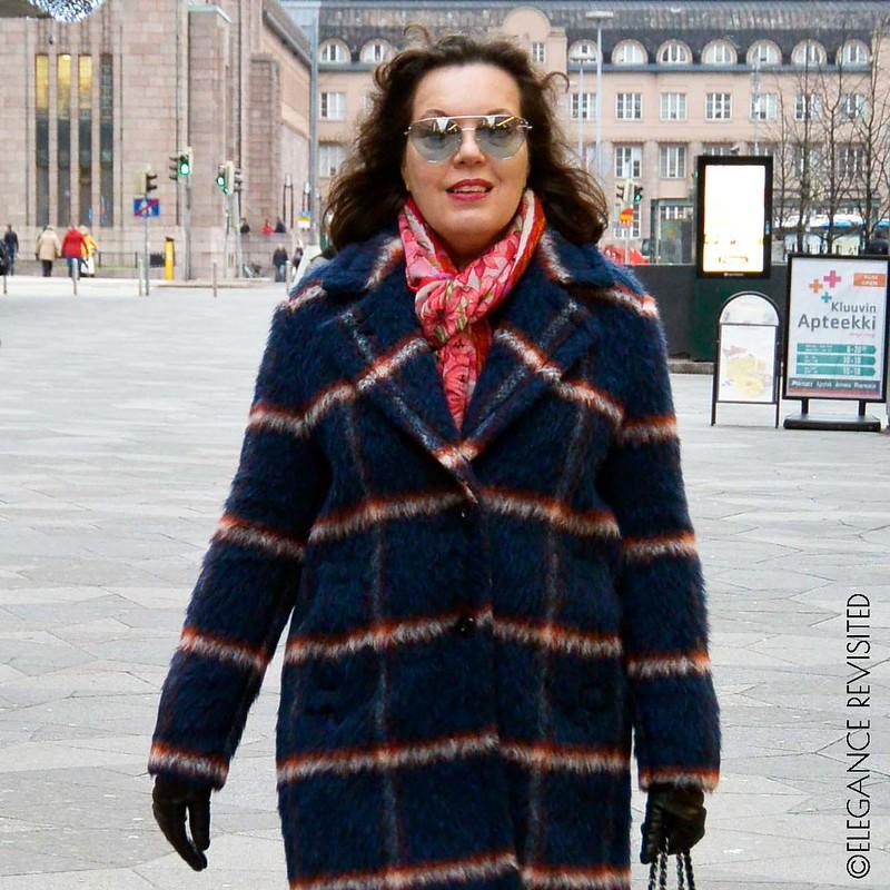 checked coat 1300 x 1300
