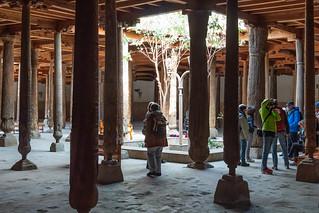 Reisegruppe in der Juma Moschee, Chiwa