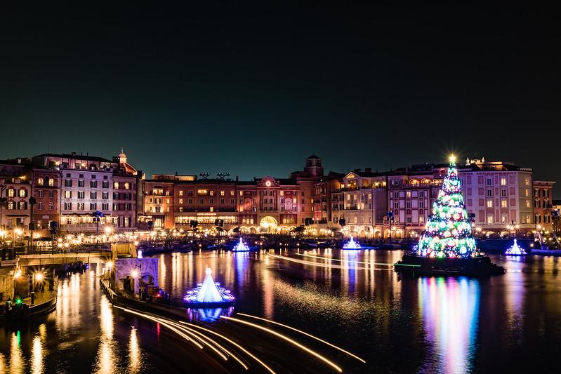ディズニーシーの港の夜景写真