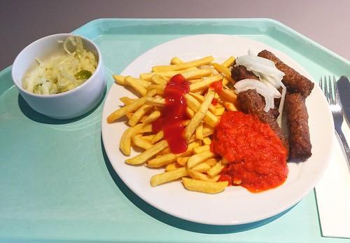Cevapcici with fresh onions, ajvar & french fries / Cevapcici mit frischen Zwiebeln, Avjar & Pommes frites