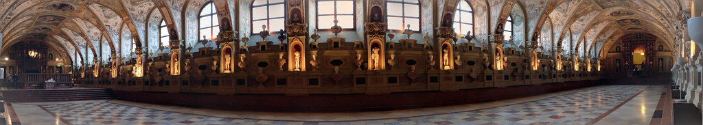 A complete panoramic of the Munich Residenz Antiquarium