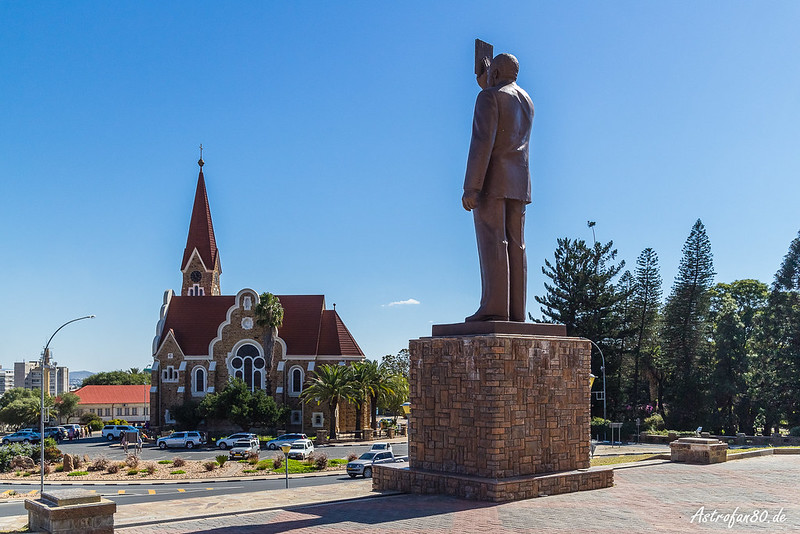 Nujoma Statue & Christuskirche