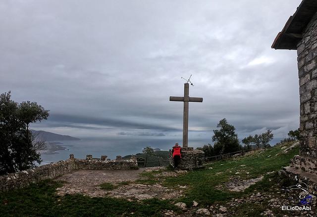 Ermita de San Pedro de Atxarre, posiblemente el mejor mirador sobre Urdaibai.  y después el  desayuno vasco  (15)