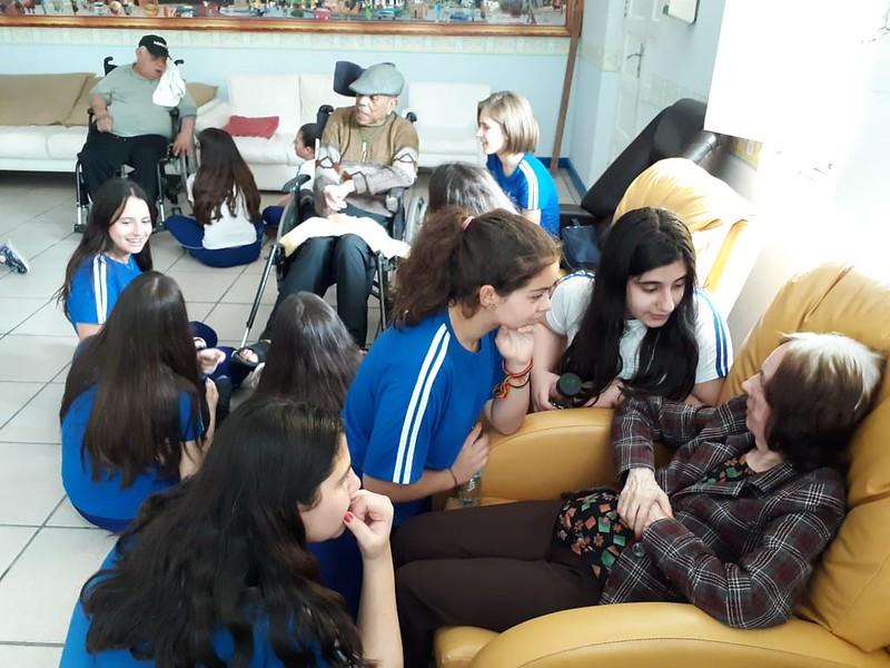 Educandos do EFAF visitam o Asilo Irmão Joaquim
