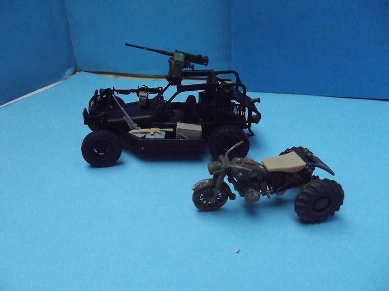 Buggy post apocalypse - Hobbyboss 1/35 44196159980_5292a3d7ca_c
