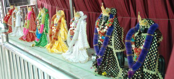 DSC_9974IndiaAmritsarShreeDurgianaTempleAangekleed