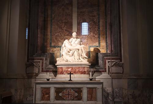 San Pietro: la Pietà di Michelangelo