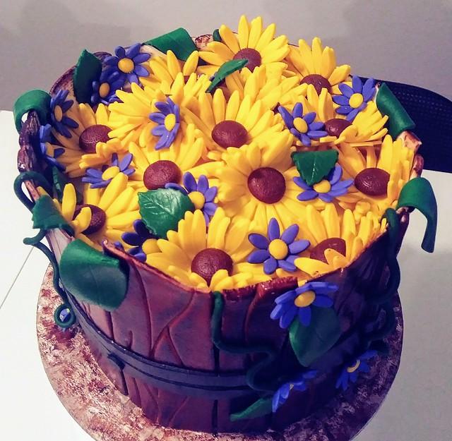 Cake by Leeanne Caraffa of Caraffa Cakes