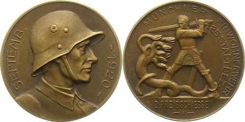 1920 German medal man battling Hydra