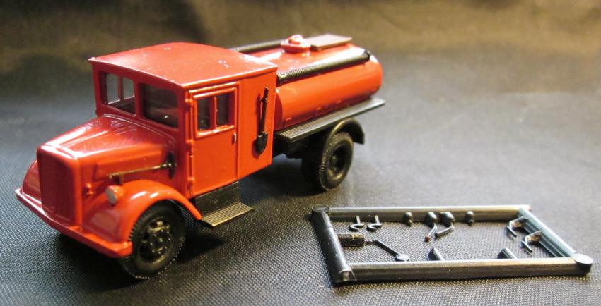 """Neu Herpa 307963-1//87 Ford V 3000 Tanklöschfahrzeug /""""Feuerwehr/"""""""