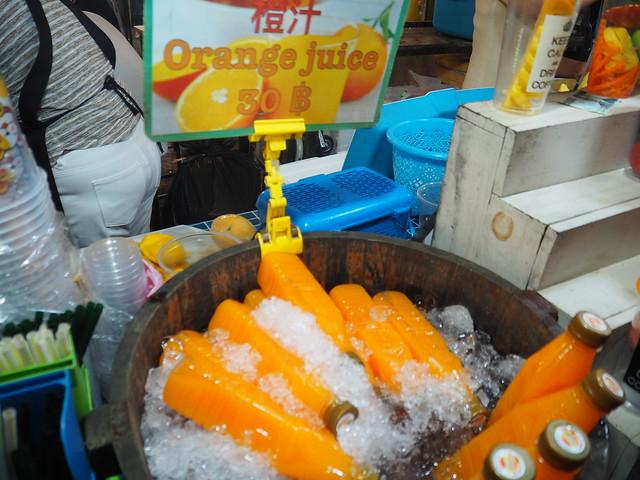P1010484 ตลาดนัดรถไฟรัชดา タラートロットファイラチャダー ナイトマーケット bangkok thailand nightmarket バンコク ひめごと