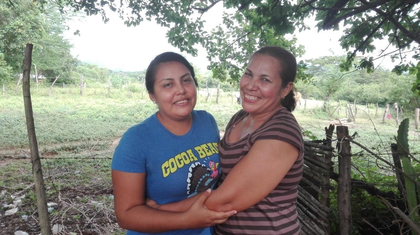 Doña Flor con su hija María Socorro