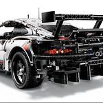 LEGO Technic 42096 Porsche 911 RSR 5