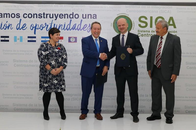 El SICA y Luxemburgo lanzan primer proyecto de cooperación con una puesta por la juventud, pueblos indígenas y afrodescendientes