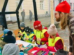 Finnish Institute's Elf School on Tartu Town Hall Square at the moment :santa::christmas_tree: #elfschool #christmas #finnishinstitute #päkapikukool