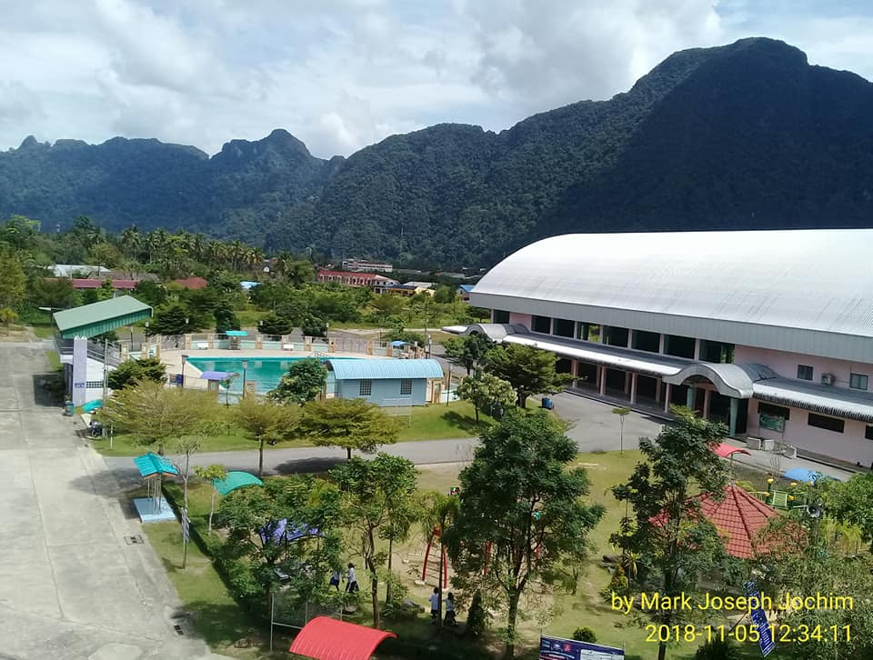 Southward (top) and northward views from the foreign teachers's office at Ban Thai Chang School in Muang District, Phang Nga, Thailand. Photos taken by Mark Joseph Jochim on November 5, 2018.