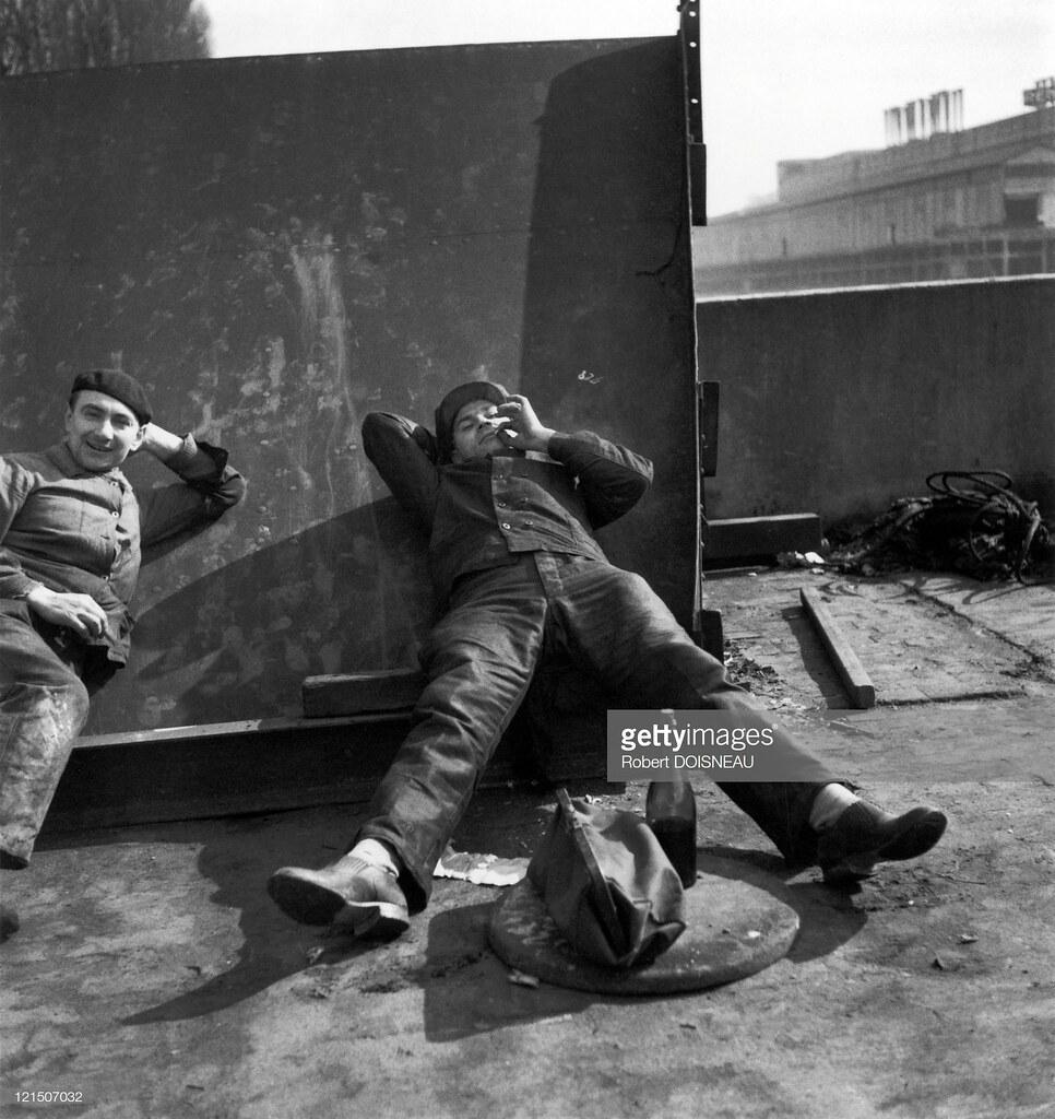 1934. Булонь Бийанкур, рабочие Рено во время перерыва