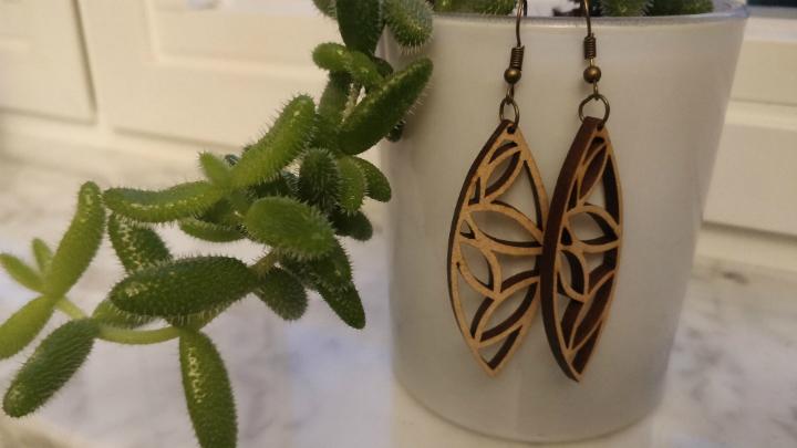 De mooie juwelen van Cutting Etch