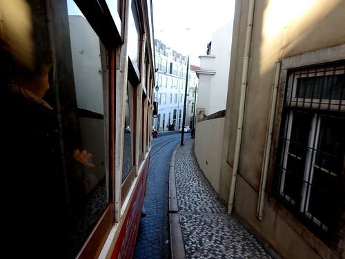 Lisbona (Portogallo) - Sul tram n. 28