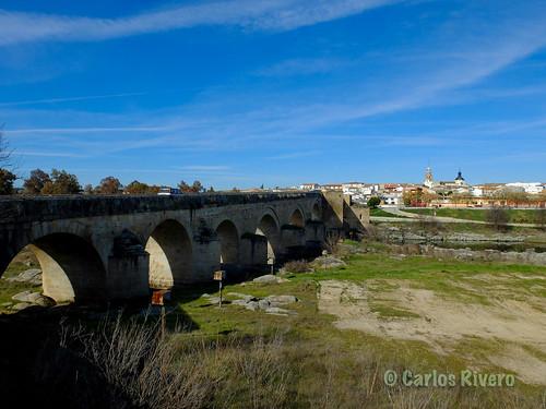 Puente del Arzobispo sobre el Tajo.